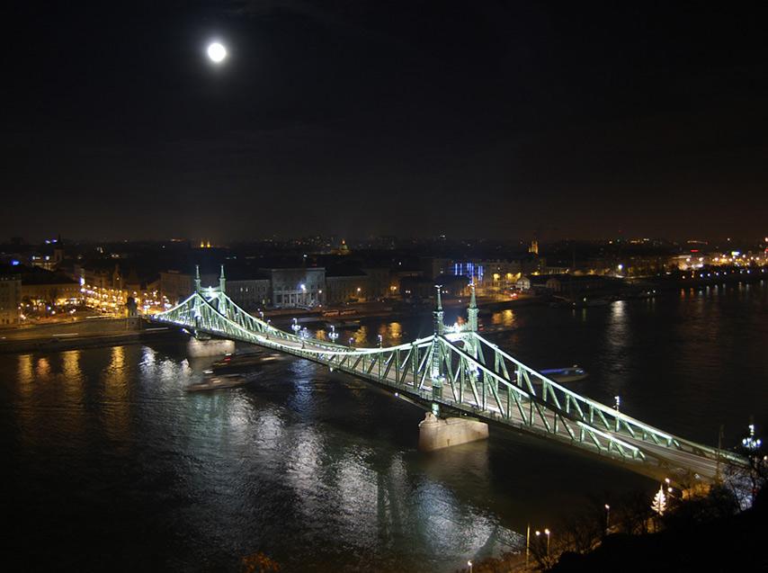 Нічний Будапешт
