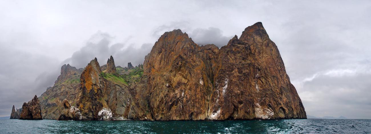 Кара-даг - гірський масив вулканічнго походження