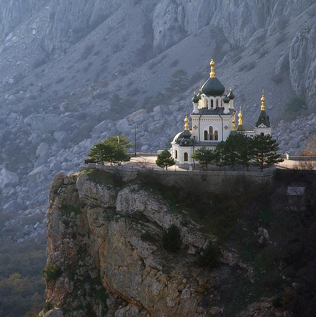 """Фороська церква на """"Червоній Скелі"""""""