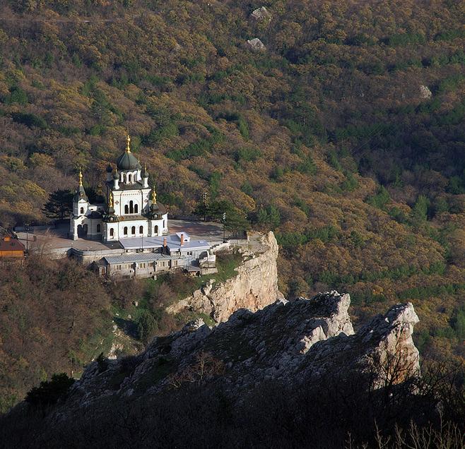 Храм Воскресіння Хрестового в Форосі