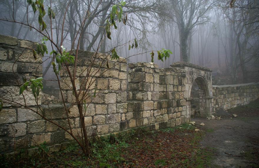Вхід на цвинтар Балта-Тиймез