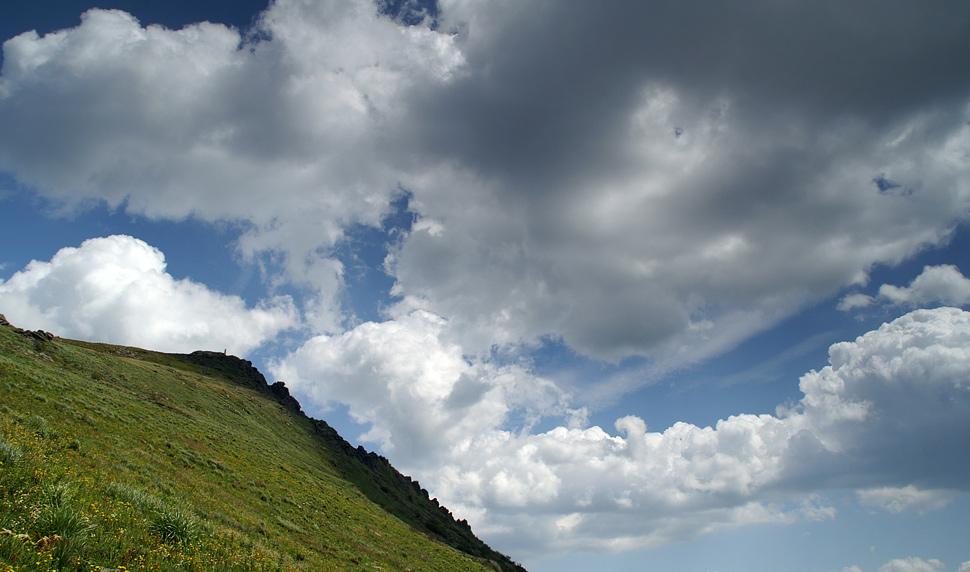 На схилах гори Пікуй