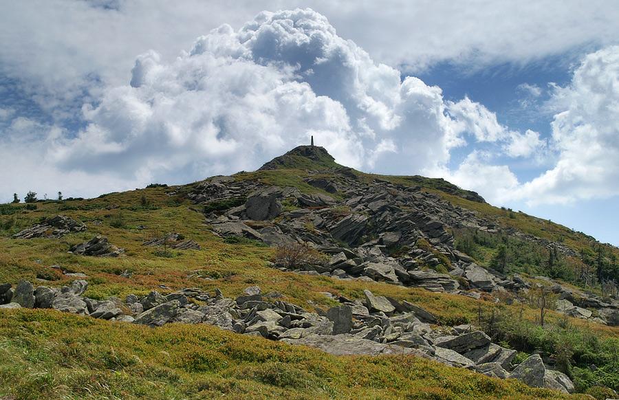 Найвища вершина Львівської області - 1408 м