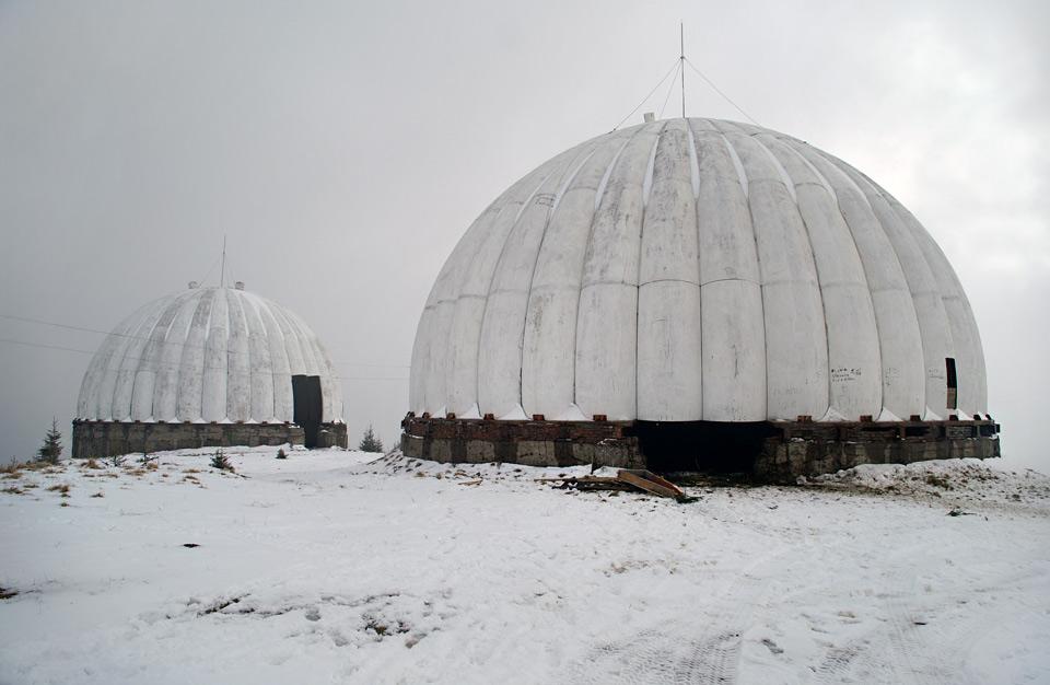 Захисні радіопрозорі куполи для антен сантиметрового діапазону хвиль
