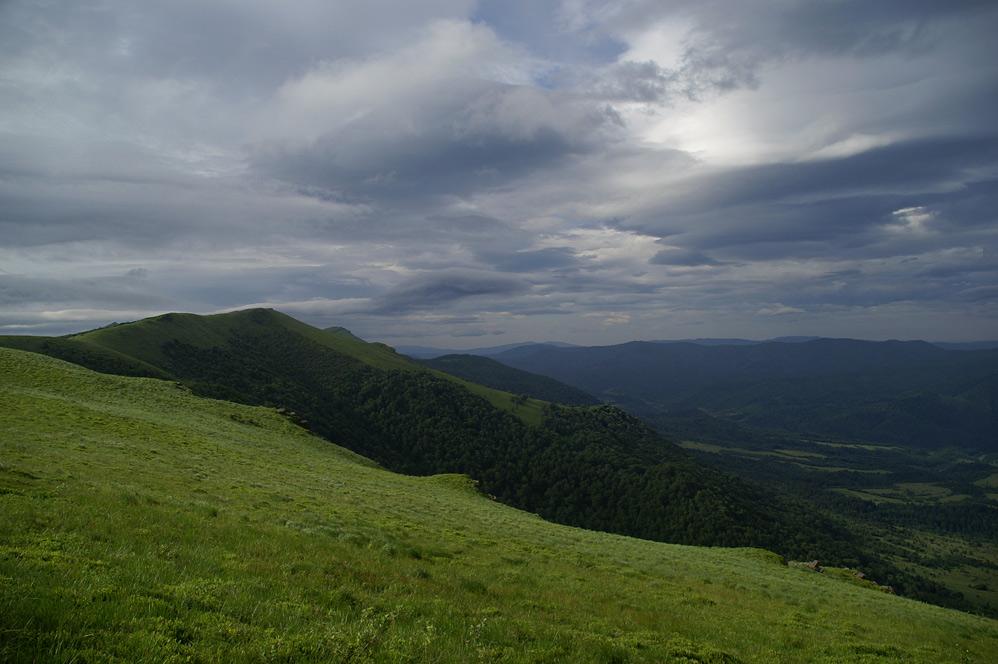 Вид га гору Нандаг - 1303 м над р.м.