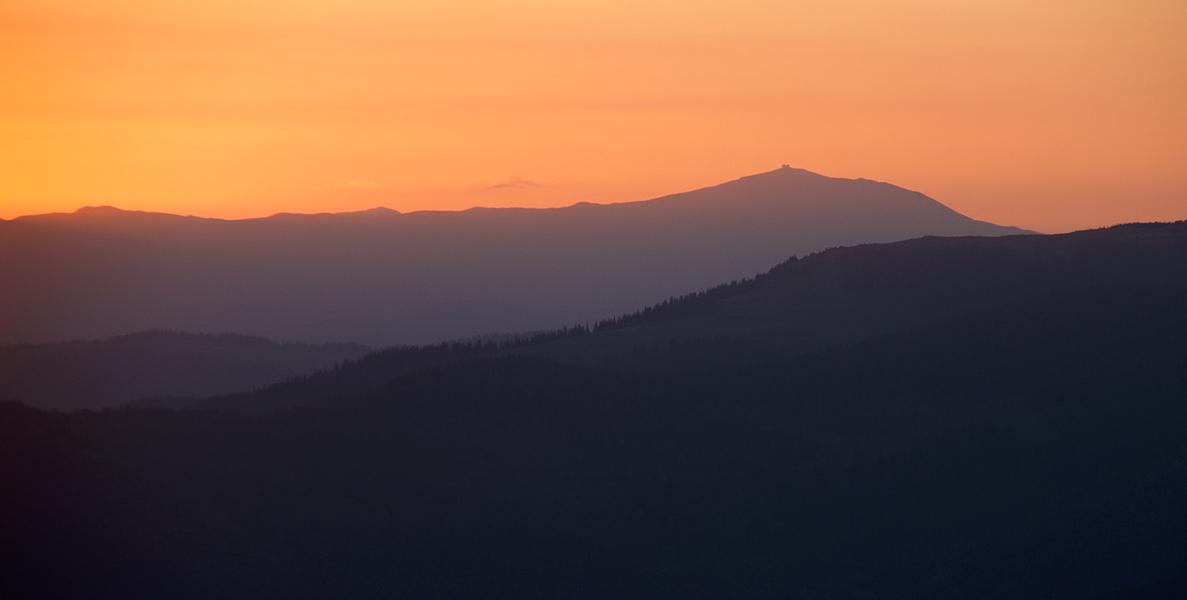 Схід сонця над Чорногорою