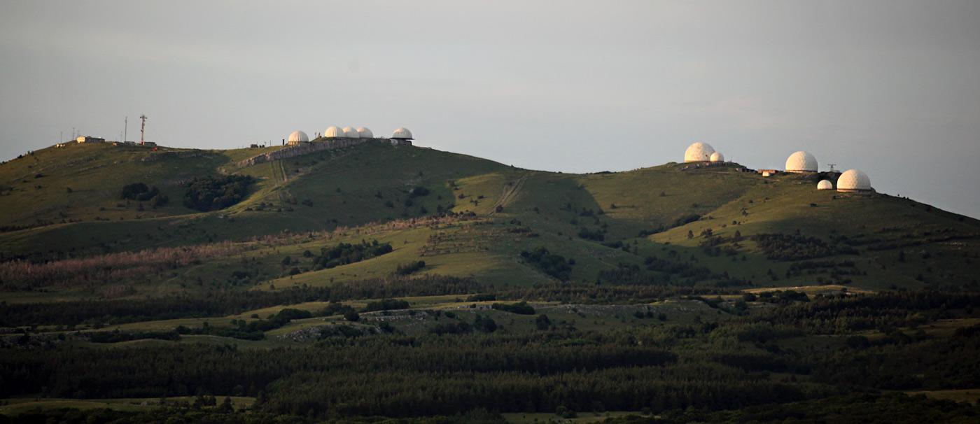 Кримські гори. Комплекс РЛС на вершині гори Бедене-Кыр (Перепелина гора) - 1302 м над р.м.