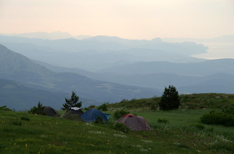 Табір у верхів'ях Хапхала поблизу гори Хапхал-Баш