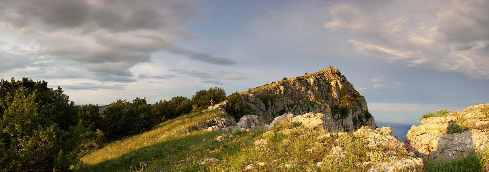 Захід сонця на вершині гори Ат-Баш - 1196 м над р.м.