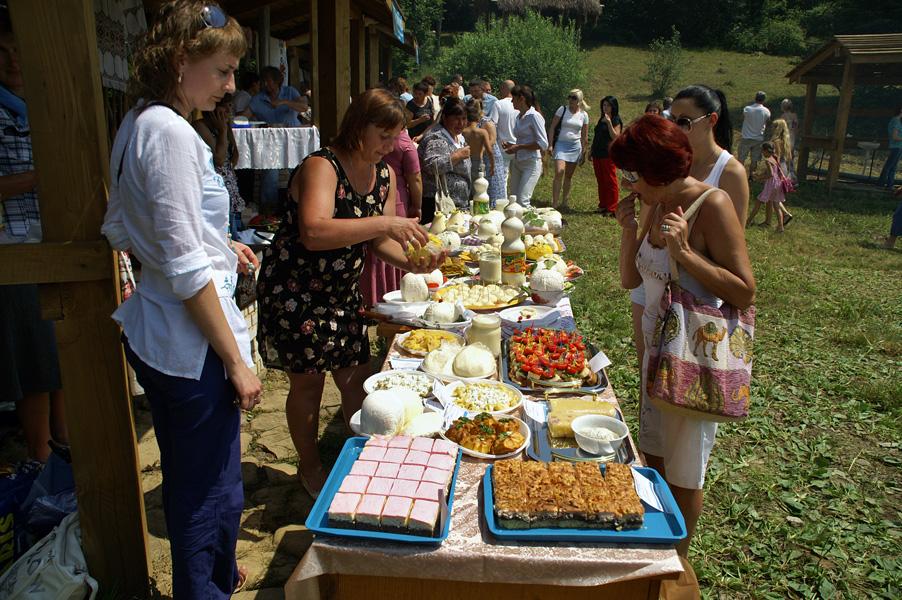 """Фестиваль """"Молочна ріка"""" в селі Стужиця"""