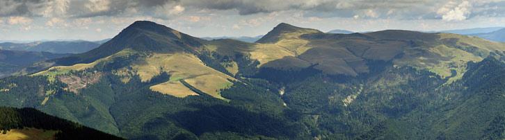 Румунські гори з вершинами Феркеу і Михайлек