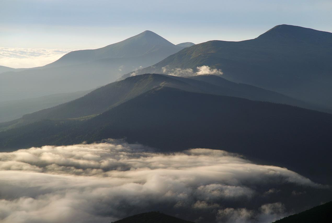 Говерла і Петрос. Вид з гори Стіг.