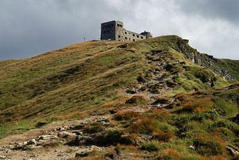 Гора Піп Іван Чорногірський - 2028 м над р.м.