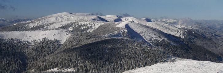 Горгани. Братківський хребет. Вид з вершини гори Чорна Клива (1719 м над р.м.)