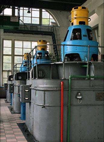 Приміщення з генераторами та контрольно-вимірювальною апаратурою