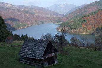 Вид на водосховище з хр. Бовцарський Верх