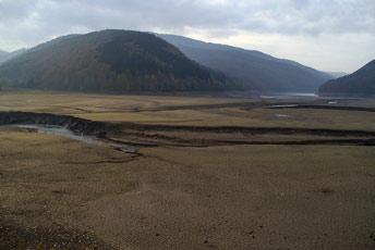 Обміліле водосховище Теребле-Ріцької ГЕС