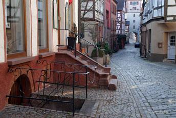 Вулички старовинного містечка Klingenberg (Баварія)