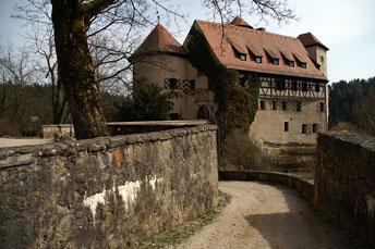 "Замок-готель ""Burg Rabenstein"" в Франконській Швейцарії"