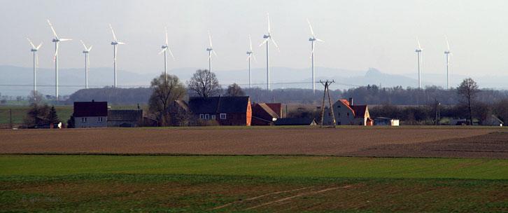 Вітрові електростанції біля міста Zielona Gora (Польща)