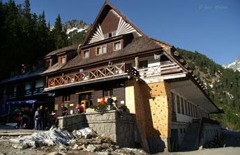 Високогірний готель на березі озера Попрадске Плесо (Popradske Pleso)