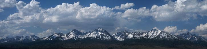 Високі Татри (Словаччина). В центрі кадру найвища вершина Карпат - Герлаховський Штит (Gerlachovsky stit) - 2655 м над р.м.